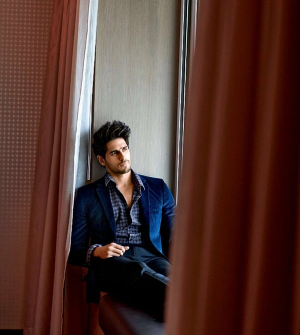 sidharth-malhotra-photoshoot-for-maxim-magazine-october-2016- (5)