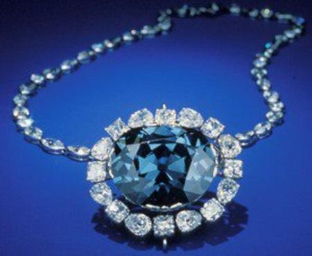 blue-diamond-jewelry- (16)