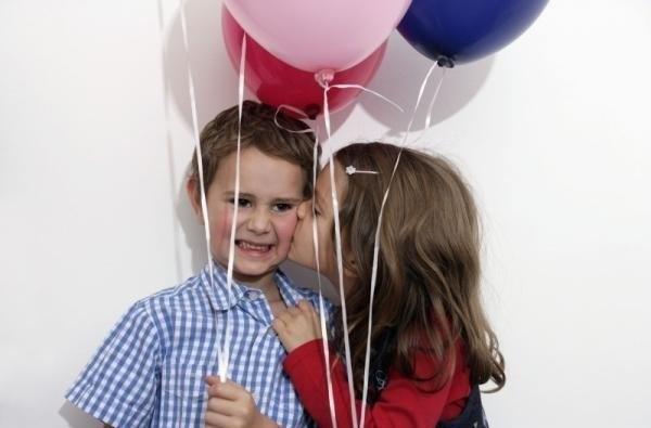 cute-babies-kisses- (11)