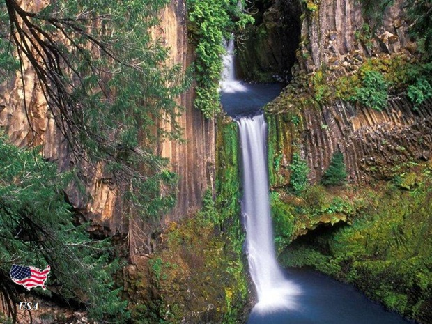 photos-of-beautiful-waterfalls-around-the-world- (21)