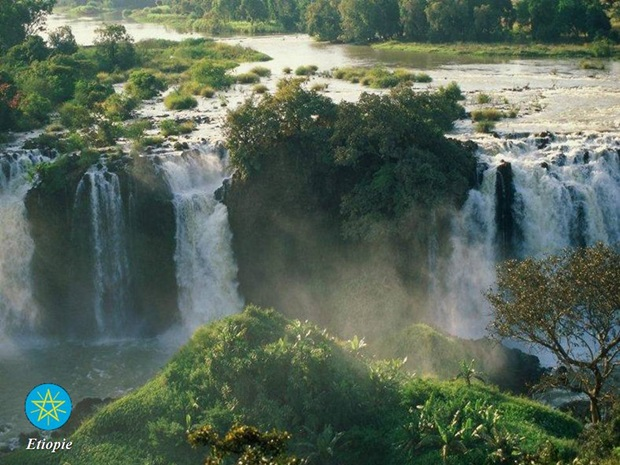 photos-of-beautiful-waterfalls-around-the-world- (24)