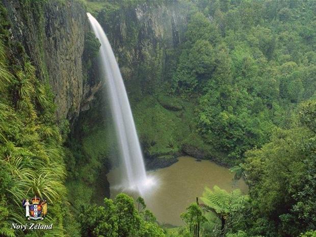 photos-of-beautiful-waterfalls-around-the-world- (25)