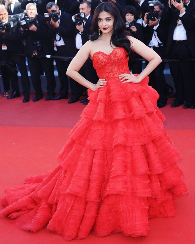 aishwarya-rai-in-red-gown-at-cannes-film-festival-2017- (14)