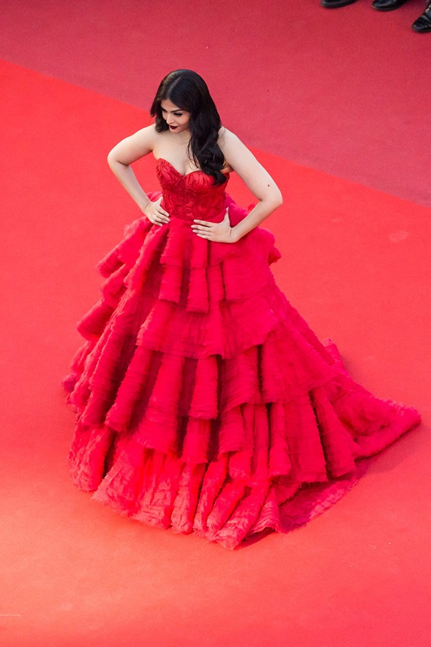 aishwarya-rai-in-red-gown-at-cannes-film-festival-2017- (8)