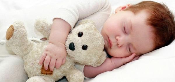 baby-hug-photos- (2)