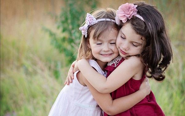 baby-hug-photos- (3)