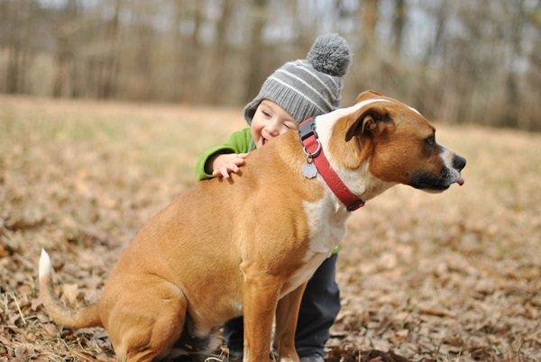 baby-hug-photos- (4)