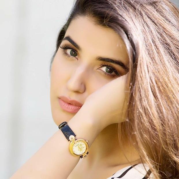 beautiful-pakistani-actress-hareem-farooq-photos- (1)