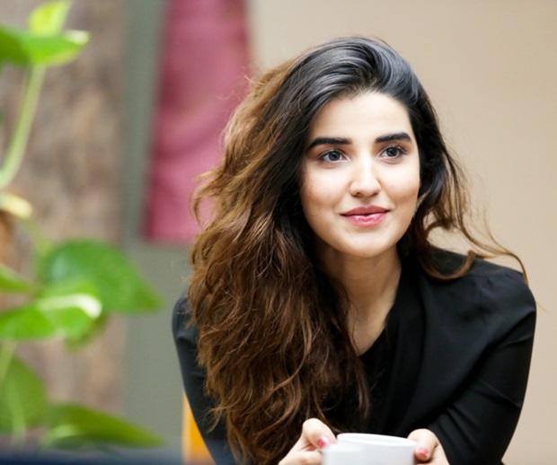 beautiful-pakistani-actress-hareem-farooq-photos- (22)