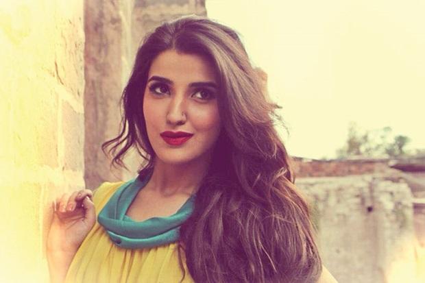 beautiful-pakistani-actress-hareem-farooq-photos- (24)