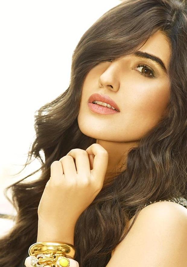 beautiful-pakistani-actress-hareem-farooq-photos- (5)