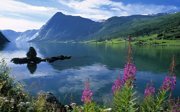norway-fjords-wallpapers- (1)