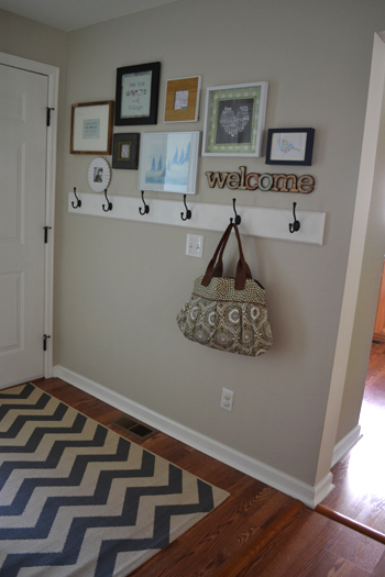 entryway-hooks-gallery-rug - Suddenlyinspired.files.wordpress.com