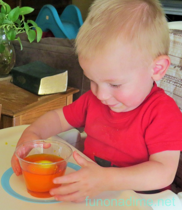 dyeing eggs with toddlers