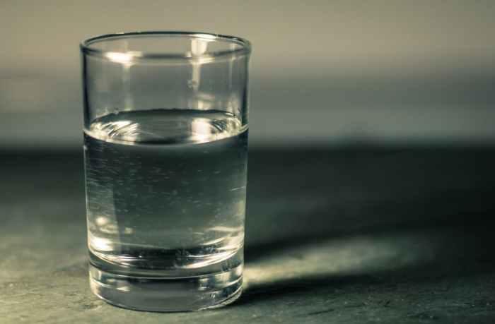 攝取水份、別喝酒