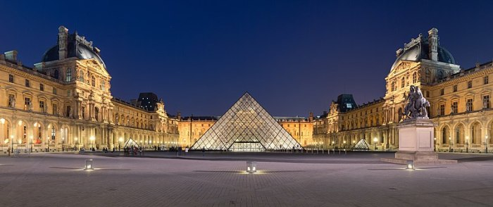 800px-Louvre_Museum_Wikimedia_Commons