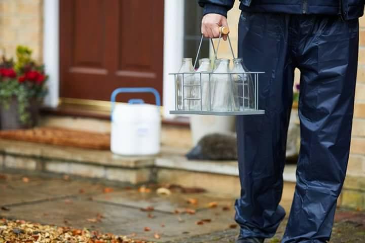 Leite Volta A Ser Entregue Em Garrafas De Vidro Para Evitar Plástico Em Londres