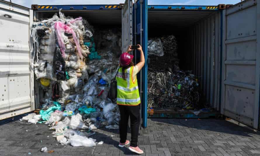 Novas Regras Para Lidar Com Os Resíduos De Plástico Despejados Em Países Subdesenvolvidos