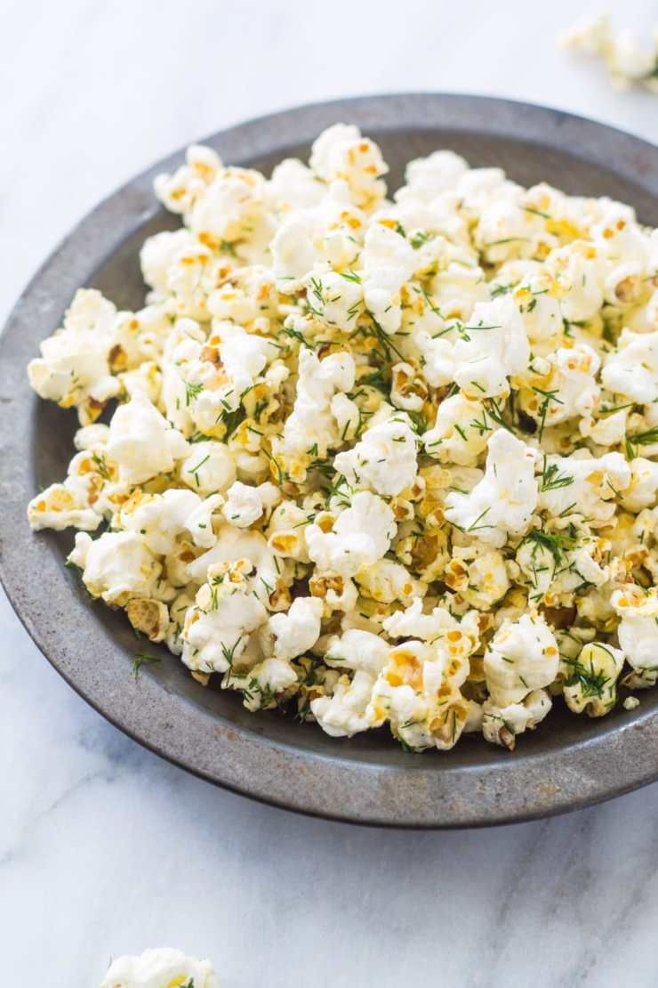 Popcorn that tastes like a dill pickle? Yes, please! This Low Fodmap Dill Popcorn is one of my favorite low fodmap snacks!