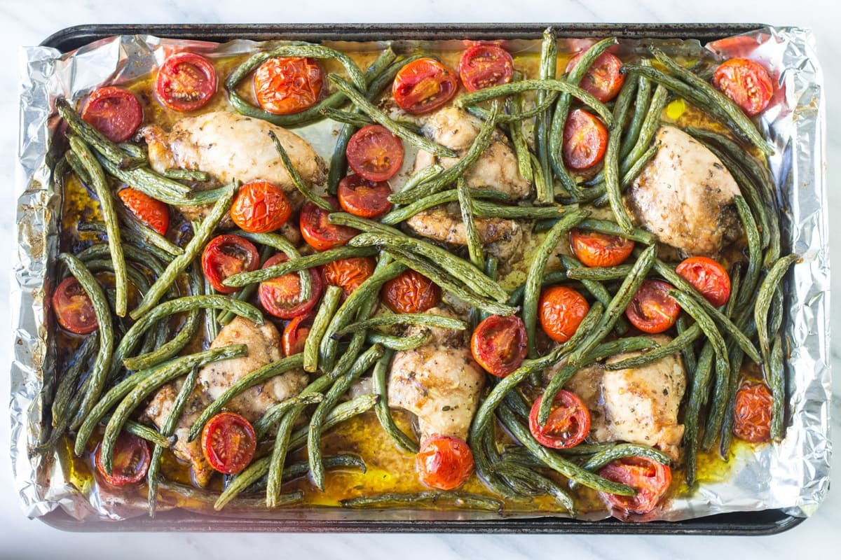 This Low Fodmap Italian Chicken and Veggies is a complete meal in one. This sheet pan meal is also gluten free, dairy free and whole30-friendly.