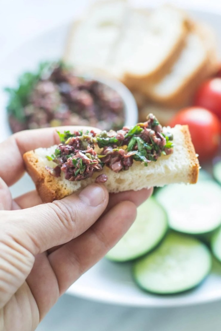 This Low Fodmap Olive Tapenade recipe is a satisfying and scrumptious spread for low fodmap bread, veggies, fish and more!
