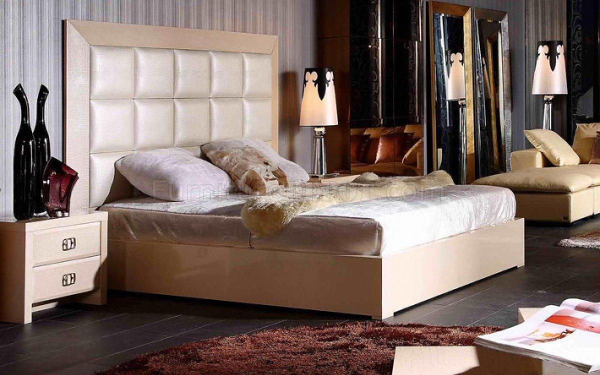Glam Bedroom Set In Champaign By VIG WEtched Crocodile