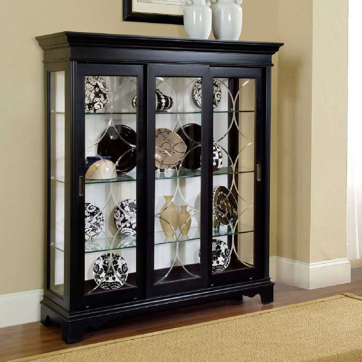 How to buy a Curio Cabinet - Furniture Tutor™