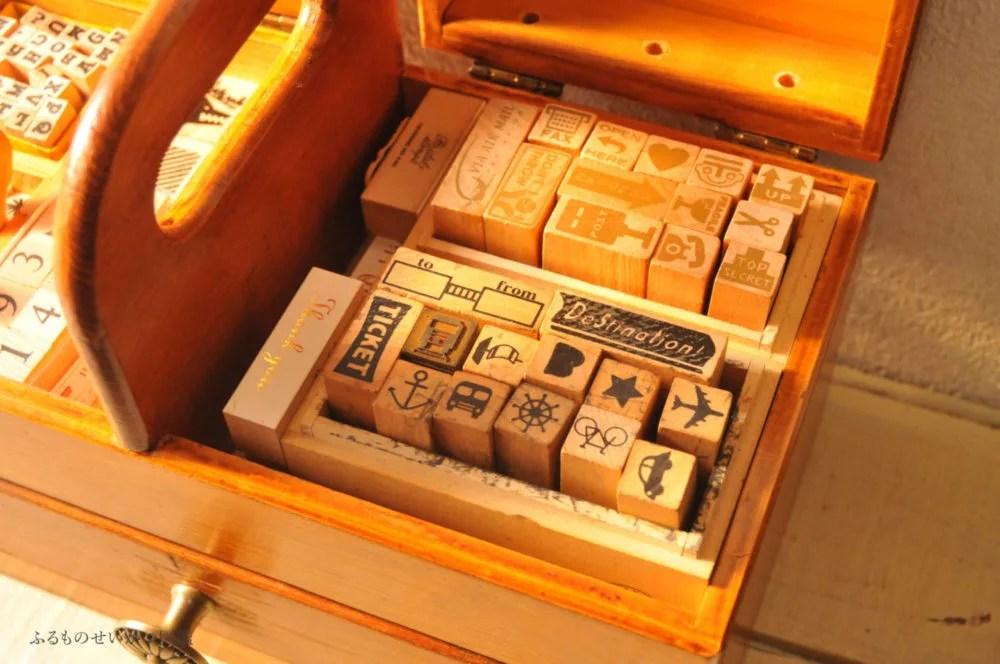 リメイク済みの裁縫箱スタンプ箱にして収納
