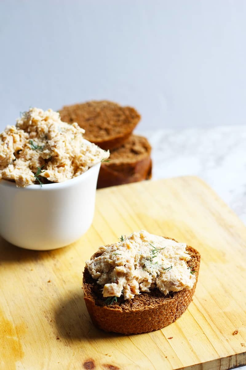 3 Minute Salmon Pate, perfect for a baguette, pumpernickel and open faced sandwiches. Tasty,easy and fast. Try this as an appetizer or on a Scandinavian Snitter.