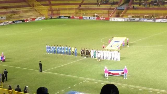 El Salvador y Costa Rica se enfrentaron en juego de trámite. Foto: Eduardo de la O (@GuayoDelaO)