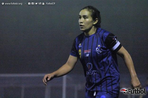 Karla Villalobos marcó su tercera diana del torneo clausura y llega a 30 en el Campeonato 2016. Foto: Steban Castro