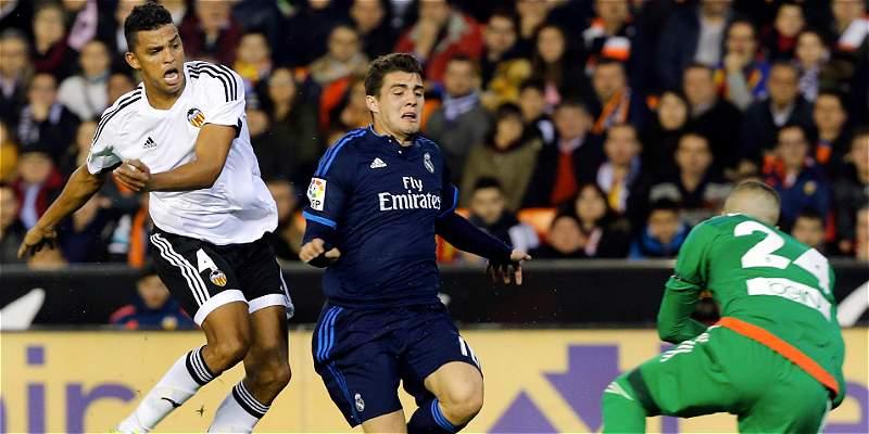 Real Madrid acción de juego Valencia