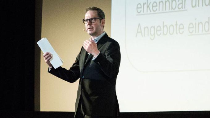 INREACH Kennzeichnungspflicht Influencer Marketing Engels