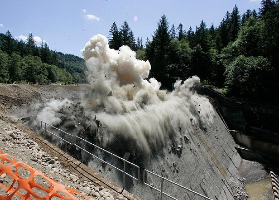 Is the dam-age over? The growth of dam removals in America