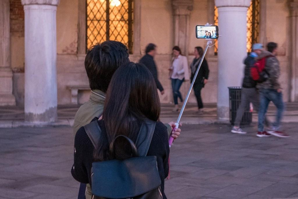 best-selfie-stick