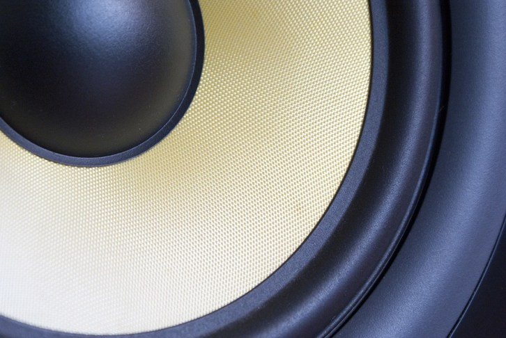 best active studio monitor speaker 1024x685 - 7 Best Active Studio Monitors – The Secret to Getting Pro-Sounding Tracks from Home Recordings