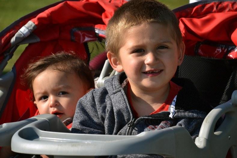 kids-in a-stroller