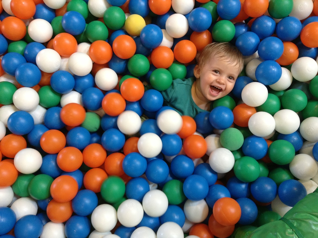 Ball Pit - The 7 Best Ball Pits for Active Outdoorsy Toddlers