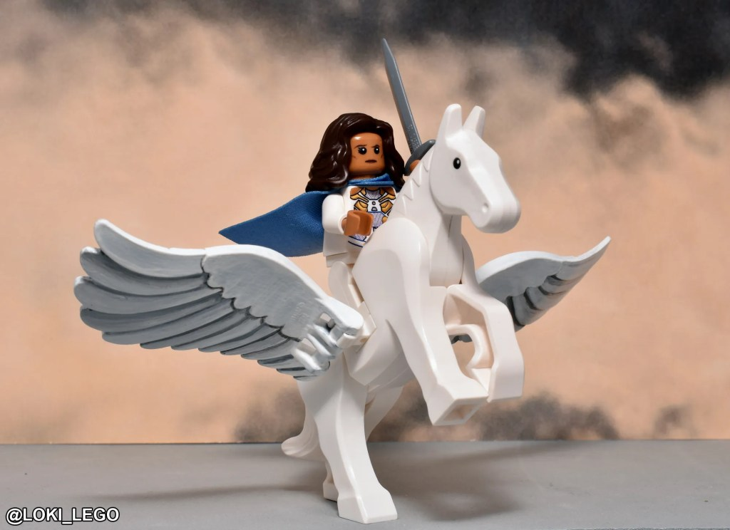 Custome LEGO Valkyrie from Thor: Ragnarok