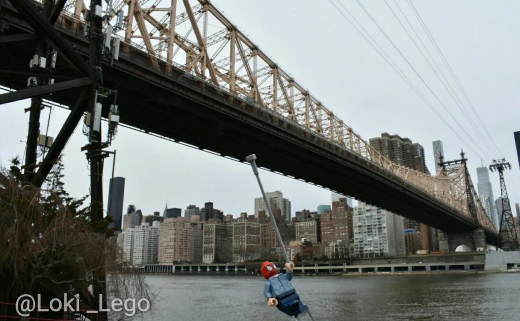 Spider-Man at the Queensboro Bridge in Avengers Infinity war