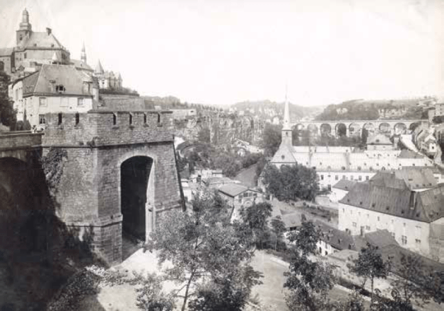 Luxembourg City with City Gate. (Postcard from Léon Krier's Luxembourg Archives.)