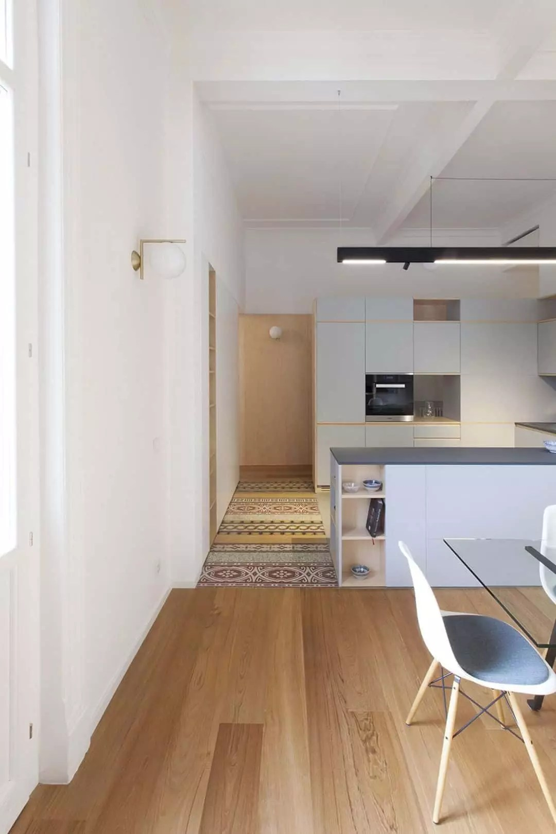 Transforming An Old Sicilian Apartment Into A Bright Open