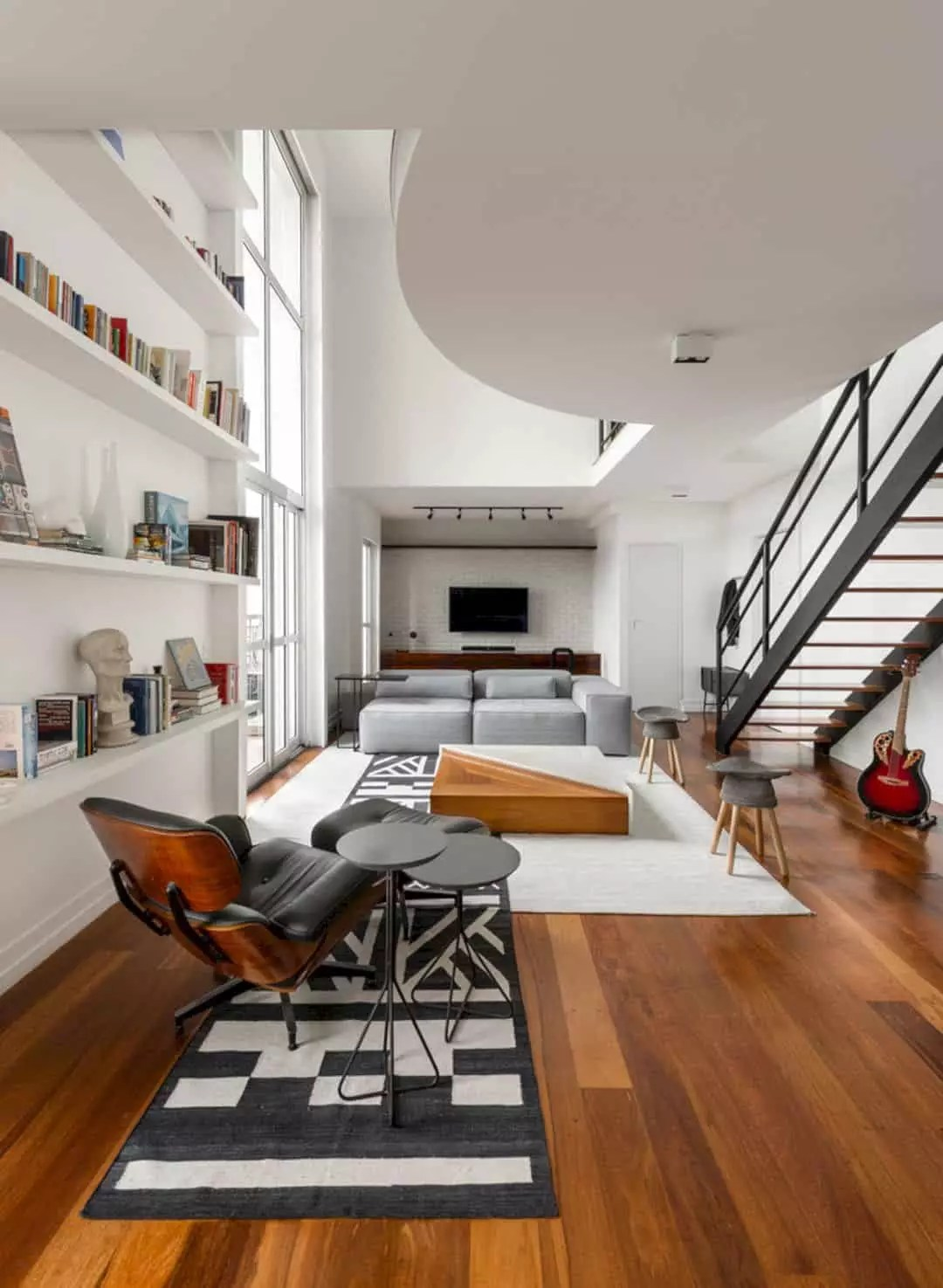 Loft JD: A Loft with Minimalist Interior and Sophisticated Touch