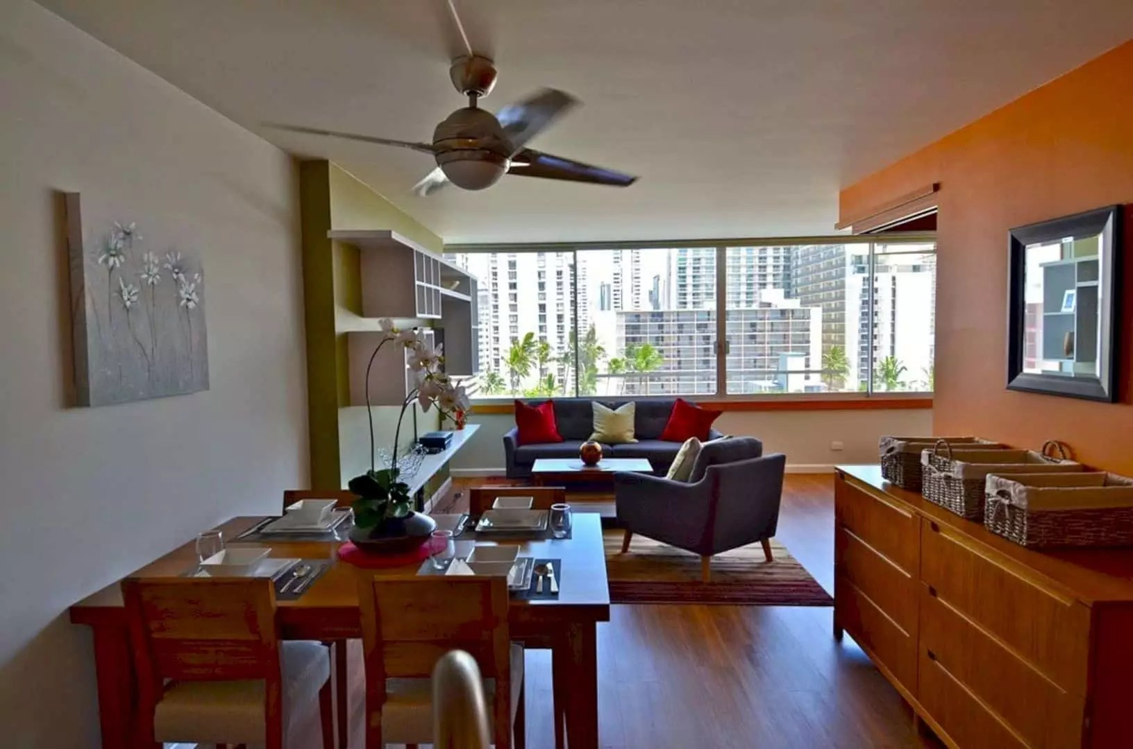 Honolulu Renovation: Simple Interior of Small Living Place with Spacious and Luxury Feeling