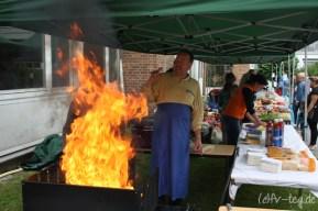 Thomas stand auch bei der Mini-WM wieder am Grill und war Feuer und Flamme!