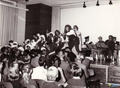 Aufführung im Mehrzweckraum anlässlich der Eulenspiegel-Tagung 1970