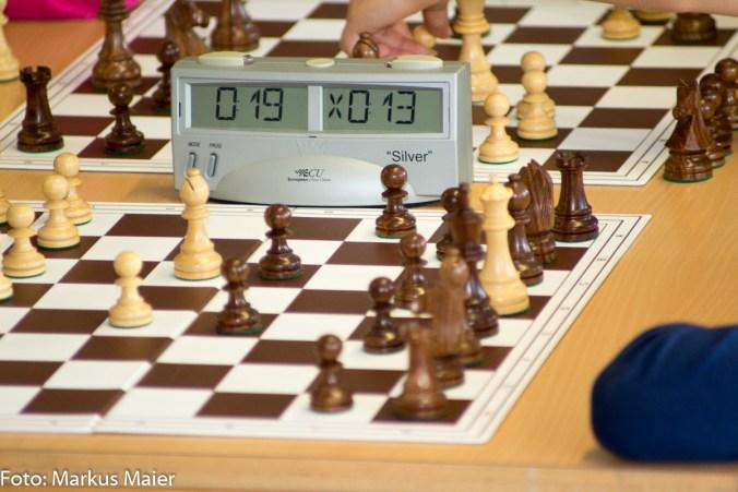 In der Turniersituation fallen oft die einfachsten Züge schwer. Schwarz wird letztlich über 15 Minuten gebraucht haben, bis der Befreiungszug gelingt. Kopf hoch - beim nächsten mal wird's besser laufen!
