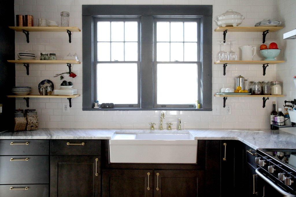 Vintage Modern Style for a Downtown Kitchen and Bathroom on 1930s rustic style, 1957 kitchen style, 1930's decorating style, 1930 bathroom remodel, 1900 furniture style, 1930 bathroom color, 1930 bathroom tile, 1930s bungalow style, 1930 bathroom trends,