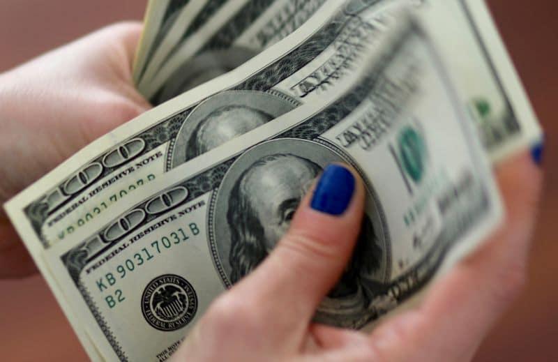 Forex Signals - Dollar nurses losses