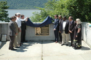 Dignitaries unveil the Armstrong plaque (photo: Scott Fybush/NERW)